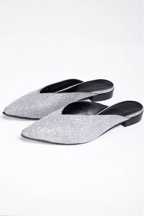 Slippers Data